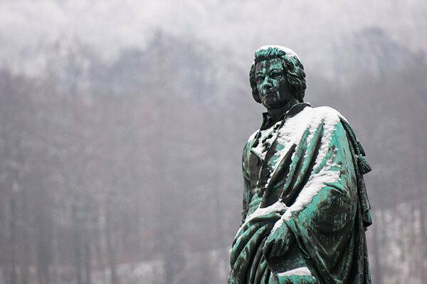 Mozart statue in Salzburg, Austria. (PHOTO: EVGENY EREMEEV/SHUTTERSTOCK)