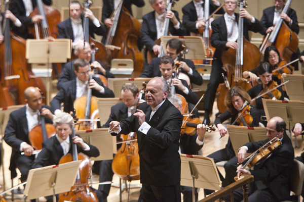 Lorin Maazel leads the BSO in Beethoven's 6th and 7th Symphonies, October 30, 2009 (Photo by Michael J. Lutch)