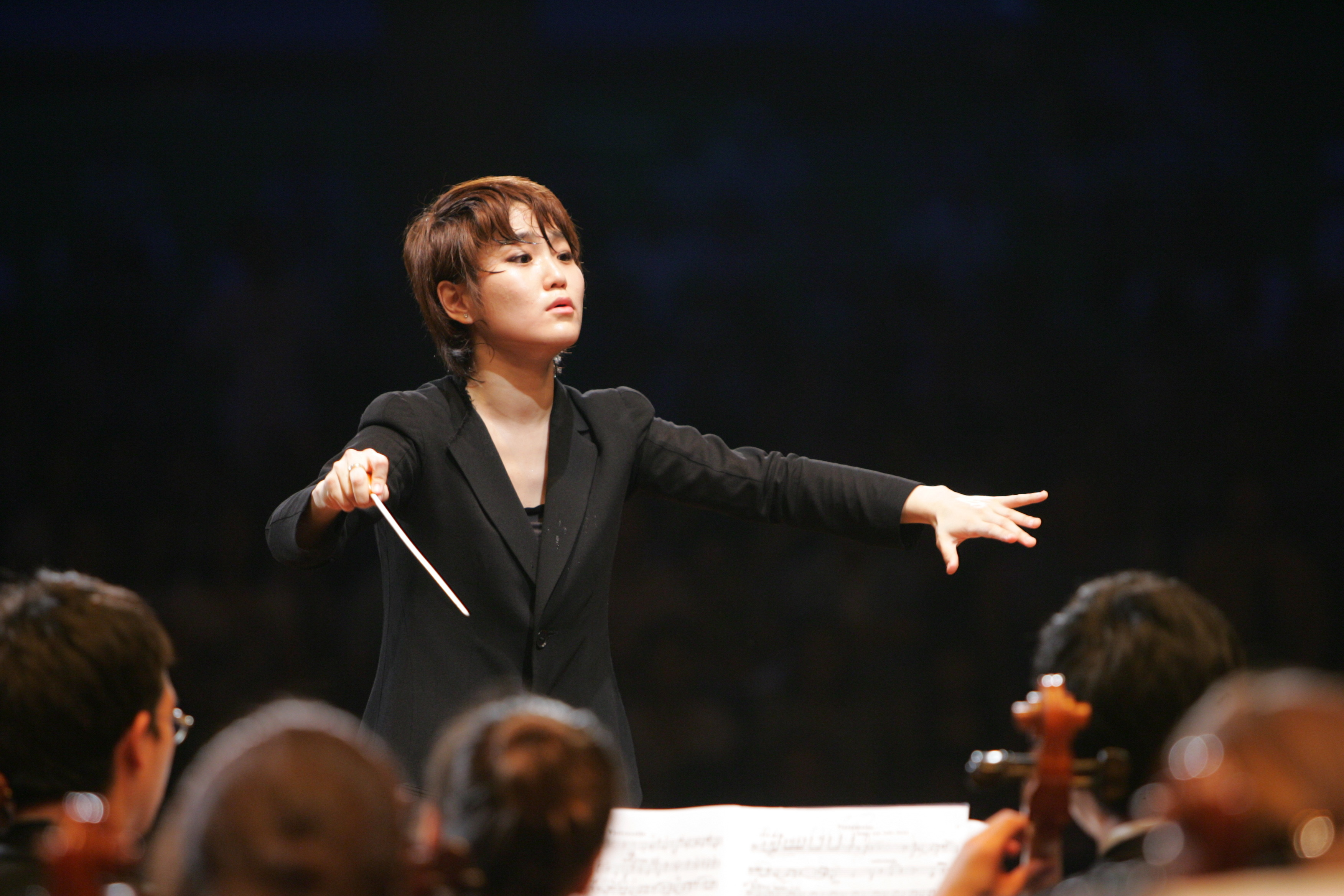 Qatar Philharmonic Music Director Resigns After Proms Performance