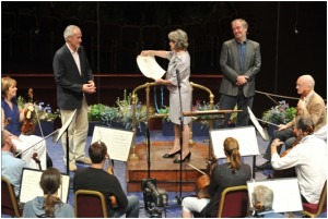 Irina Bokova, UNESCO Director-General presents the designation UNESCO Artist for Peace to Charles Kaye and the members of the Orchestra in the presence of Maestro Valery Gergiev at the Royal Albert Hall, London on 5th August 2010
