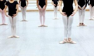 What does it take to be an expert at something? New science is shedding light on what it takes to get good. Ballerinas train at the Harlem School of the Arts. Credit: Béatrice de Géa for The New York Times