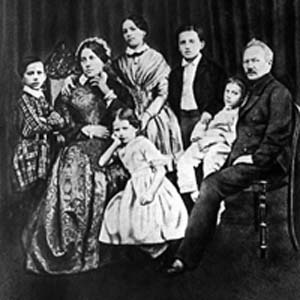 The Tchaikovsky family in 1848. Left to right: Pyotr (nicknamed Petya),  Alexandra Andreyevna (mother),  Alexandra (sister), Zinaida, Nikolay,  Ippolit, Ilya Petrovich (father)Credit: http://www.englishwordplay.com/
