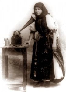 A Hungarian peasant singing