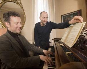 Simon Usborne plays a game of man versus machine with leading British concert pianist Sam Haywood