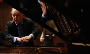 Daniel Barenboim reveals his new piano, the Barenboim-Maene concert grand, in London on May 26, 2015 (ADRIAN DENNIS/AFP/Getty Images)