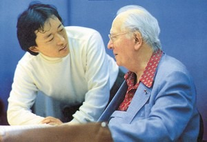 Myung-Whun Chung and Oliver Messiaen during the recording of the symphony