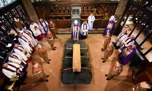 The archbishop of Canterbury leads the funeral service for Richard III at Leicester Cathedral.