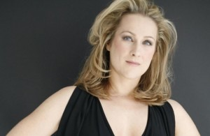 Dame Diana DamrauCredit: https://www.parisconcerts-tickets.com/