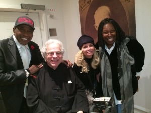 """Perlman at the backstage at Carnegie Hall with Ben Vereen, Kristin Chenoweth and Whoopi Goldberg after the November 7 Chita Rivera  """"Nowadays"""" concert"""