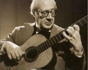 TECHNIQUES et MUSIQUES, IMPROVISATION pour GUITARE. 5 doigts main droite (6, 7 & 8 strings) Segovia-Andres-23-300x239