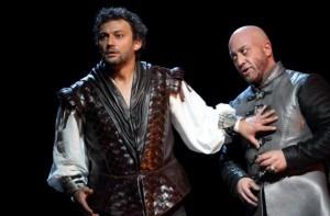 Jonas Kaufmann as Otello and Marco Vratogna as Iago in Otello (ROH) © Catherine Ashmore
