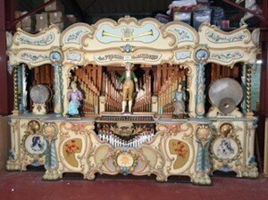 Organ with automaton conductor