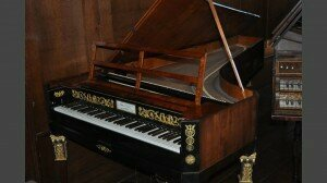 Fortepiano such as Leopold Koželuch might have used