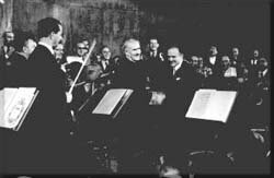 The Palestine Symphony Orchestra© www.jewishvirtuallibrary.org/