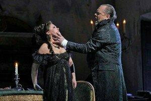 Anna Netrebko (Tosca) and Michael Volle (Scarpia)© Ken Howard | Metropolitan Opera