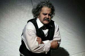 Einstein, as played by Oskar Hillebrandt (Theater Dortmund, 2006)