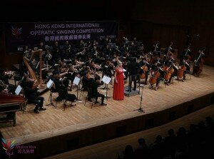 Soprano Samantha Crawford and the Hong Kong Virtuosi Orchestra © Titan Lam, Musica Viva (Hong Kong)