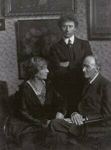 Grainger (center) with Delius and Delius' wife Jelka
