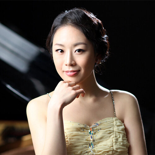 Interview with Pianist Yoonie Han