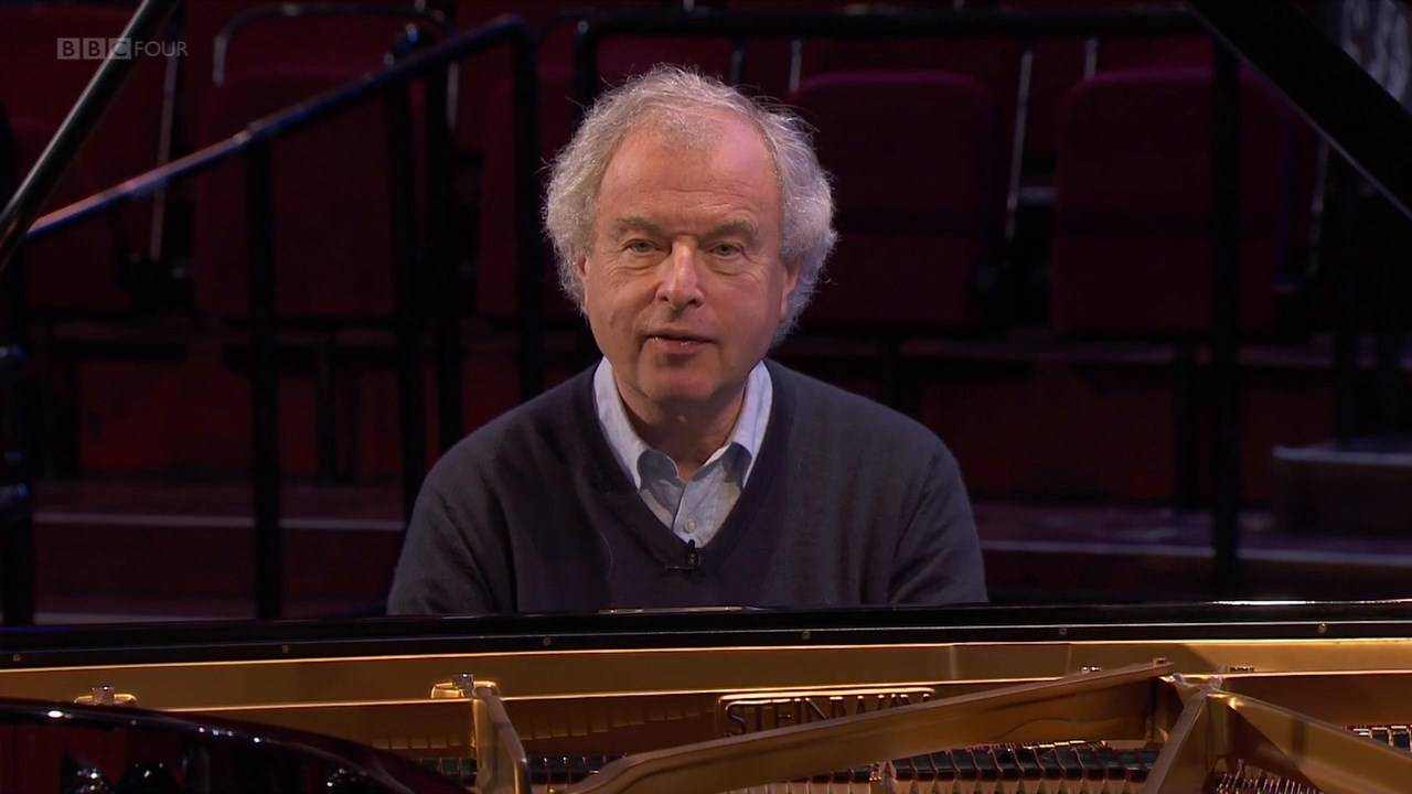 András Schiff – More of a Pianist Than a Conductor