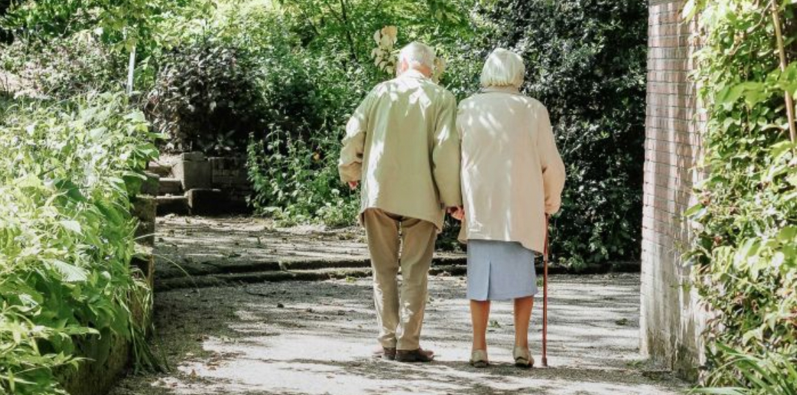 Massage, music therapy help manage dementia aggression