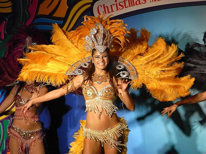 Exotic Dancing with Jean Françaix