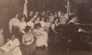 A photograph taken during Zeisler's piano class.