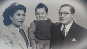 Orlanda and Nicolás Alessio, with their young son Carlos