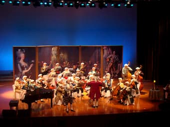 City Chamber Orchestra of Hong Kong performs Mozart