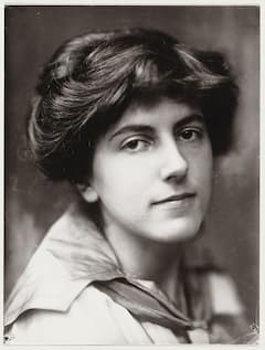 Henriëtte Bosmans (1917) Why isn't her music regularly played alongside the music of Brahms?