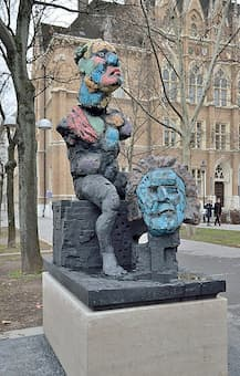 Markus Lüpertz: Beethoven Denkmal (2014) (Stadtgarten / Alter Zoll, Bonn) - the figure boasts two heads: One is dedicated to the character and genius of the famous composer, the other visualizes his work.