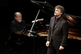 Jonas Kaufmann & Helmut Deutsch performing at La Scala