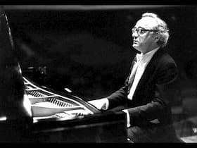 Alfred Brendel performs Beethoven