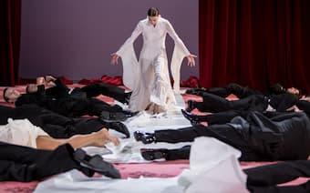 The Aria Ballet: Reinhild Hoffmann's <em></noscript><img class=
