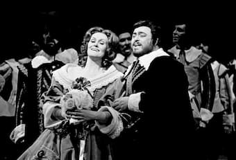 Luciano Pavarotti and Joan Sutherland in 'I Puritani'