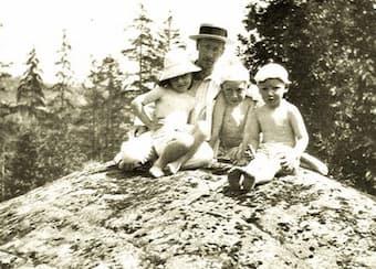 Stravinsky with his children