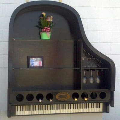 Upcycling Pianos