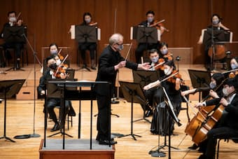 SPO director Osmo Vänskä leads the orchestra during a livestreamed concert Friday at the Seoul Arts Center in southern Seoul.