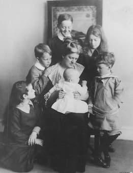 Mrs. Paul Crompton and her Six Children
