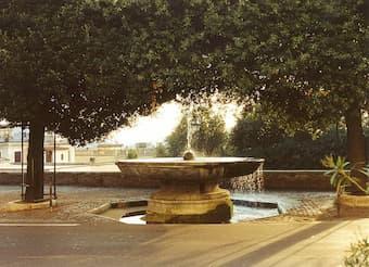 Fountain in front of Villa Medici on Pincio, Rome