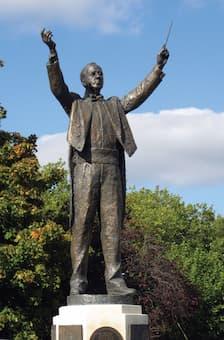 Gustav Holst Statue (Cheltenham)
